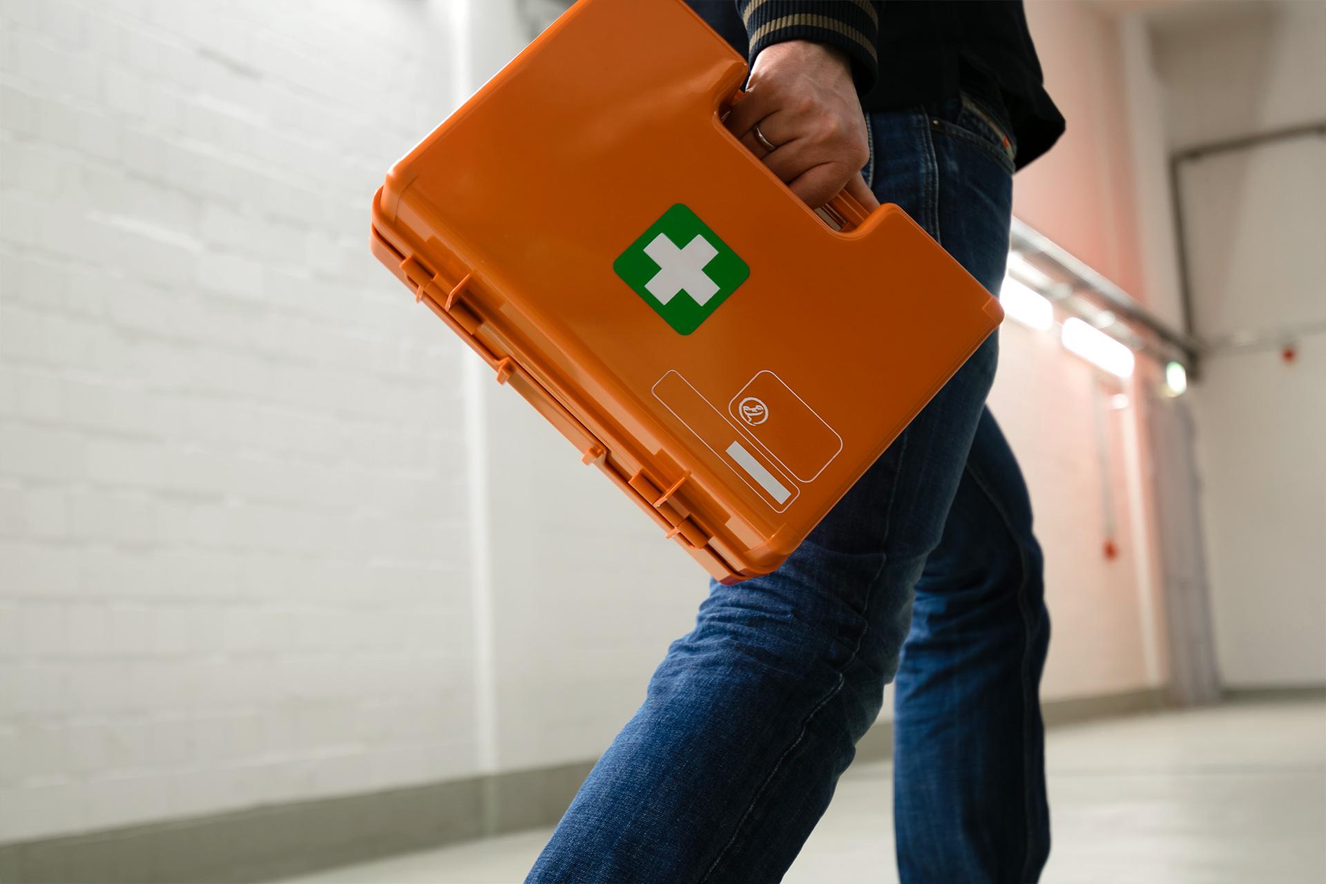 EHBO koffer bij bedrijfsongeval